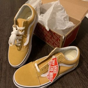 Never worn Yellow Vans Old Skool